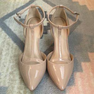 Nude kitten heel, only worn once!